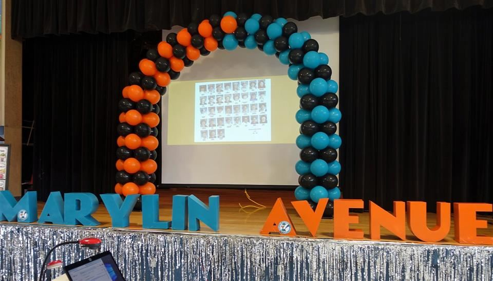 balloon arch on marylin avenue stage